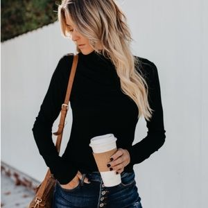 Tops - Black mock neck long sleeve tops sweater
